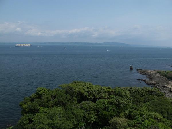 観音崎灯台上.jpg